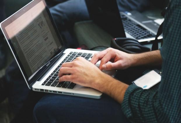 laptop-mobile