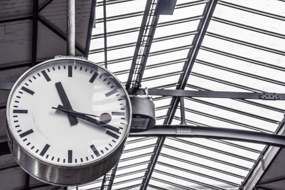 time-train-station-clock-deadline