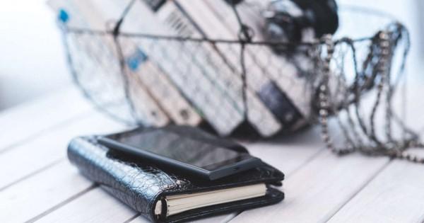 smartphone-notebook-technology-calendar